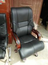 定制 皮椅 老板椅 实木扶手 一级皮革饰面