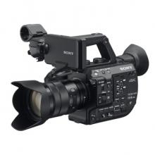 索尼(SONY)PXW-FS5M2K 4K专业数码摄像机 (含18-105镜头/闪迪SD卡/U70电池/D21话筒/三脚架)